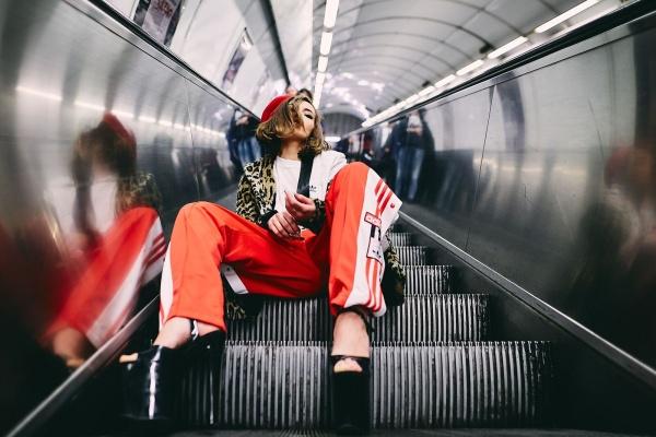 Annu Mimieux v oblečení z Queensu fotil Filip Poreba. Anna MimieuxFashion QueensRebelie 79b05fedf2
